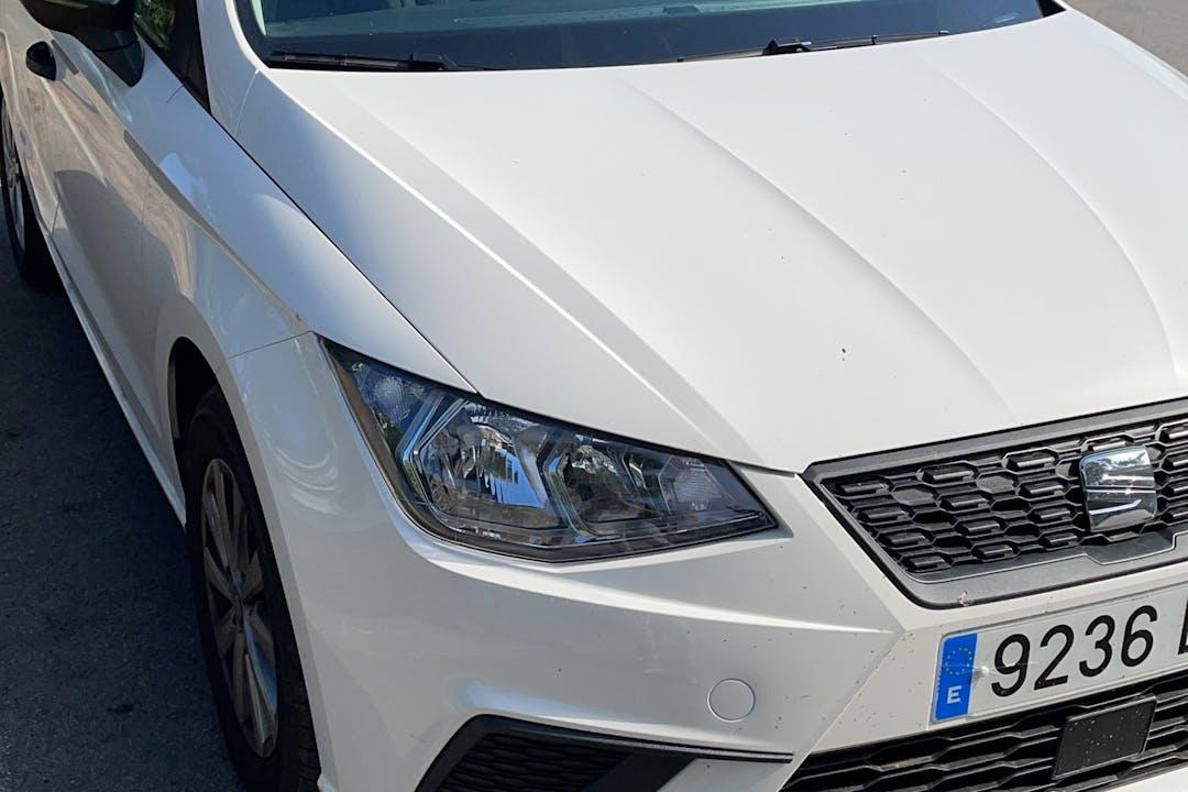 Alquiler barato de Seat Ibiza cerca de 08860 Castelldefels.