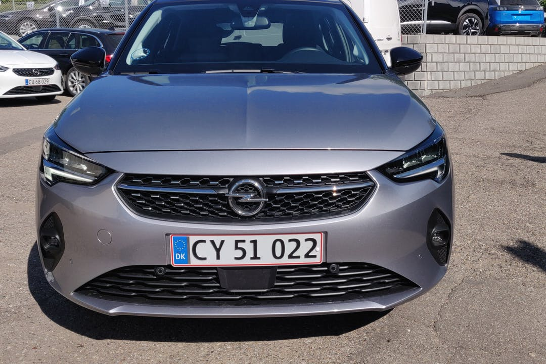 Billig billeje af Opel Corsa nær 2720 København.