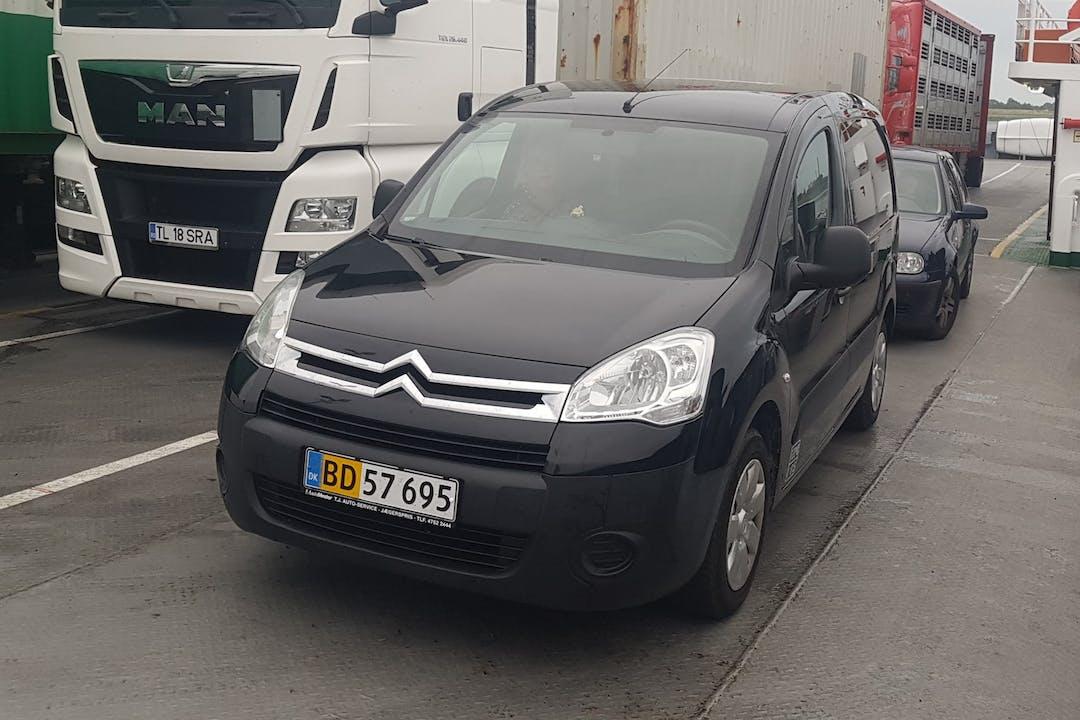 Billig billeje af Citroën Berlingo Van med GPS nær 8543 Hornslet.