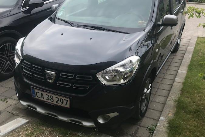 Billig billeje af Dacia Lodgy med GPS nær 2610 Rødovre.