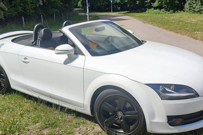 Billig biluthyrning av Audi TT med GPS i närheten av 224 72 .