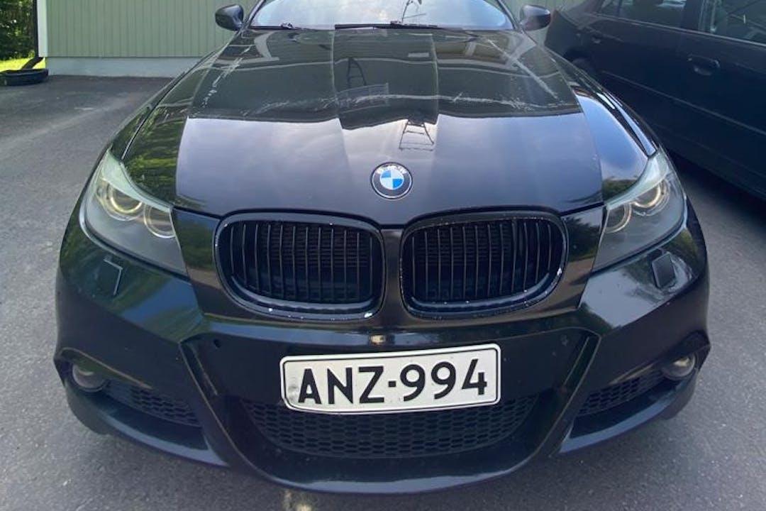 BMW 3 Seriesn halpa vuokraus GPSn kanssa lähellä 01450 Vantaa.