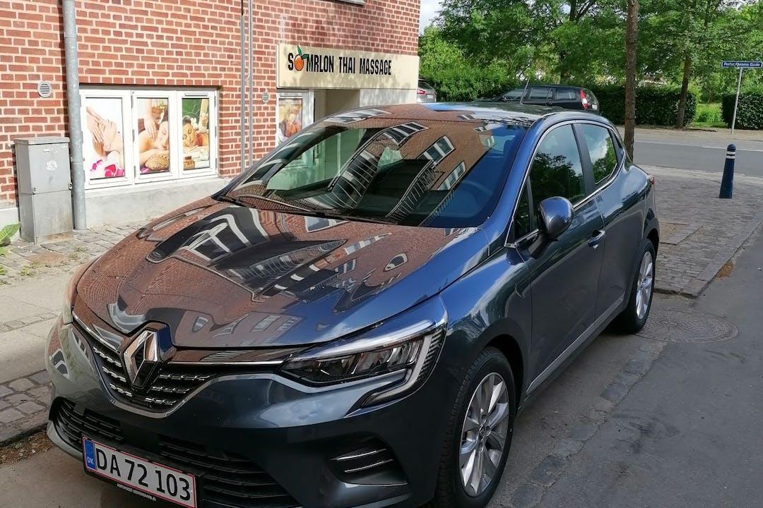 Billig billeje af Renault Clio med Bluetooth nær 9000 Aalborg.
