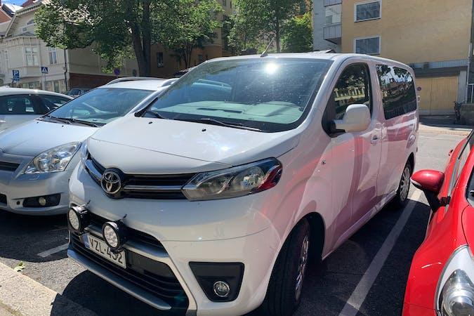 Toyota ProAce Verson halpa vuokraus GPSn kanssa lähellä 20100 Turku.