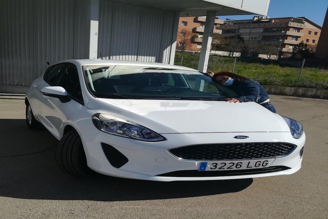 Alquiler barato de Ford Fiesta cerca de 08902 L'Hospitalet de Llobregat.