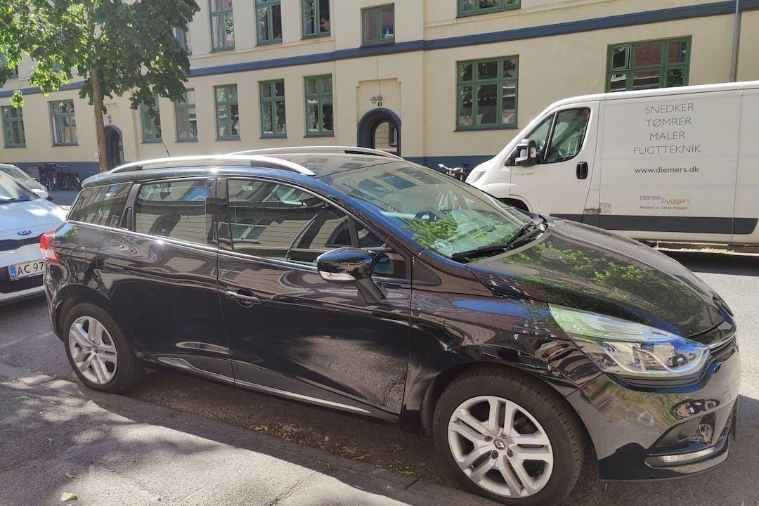 Billig billeje af Renault Clio SW med GPS nær 2300 København.