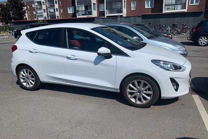 Billig billeje af Ford Fiesta med GPS nær 2650 Hvidovre.