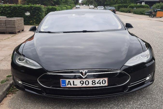 Billig billeje af Tesla Model S med GPS nær 9800 Hjørring.