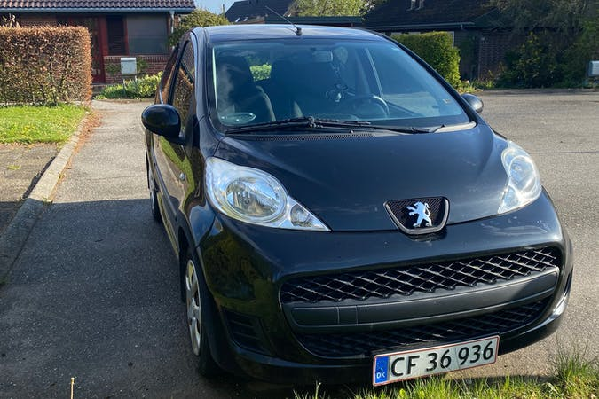 Billig billeje af Peugeot 107 med Isofix beslag nær 8520 Lystrup.