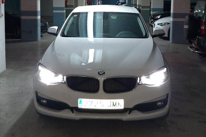 Alquiler barato de BMW 3 Series con equipamiento GPS cerca de  València.