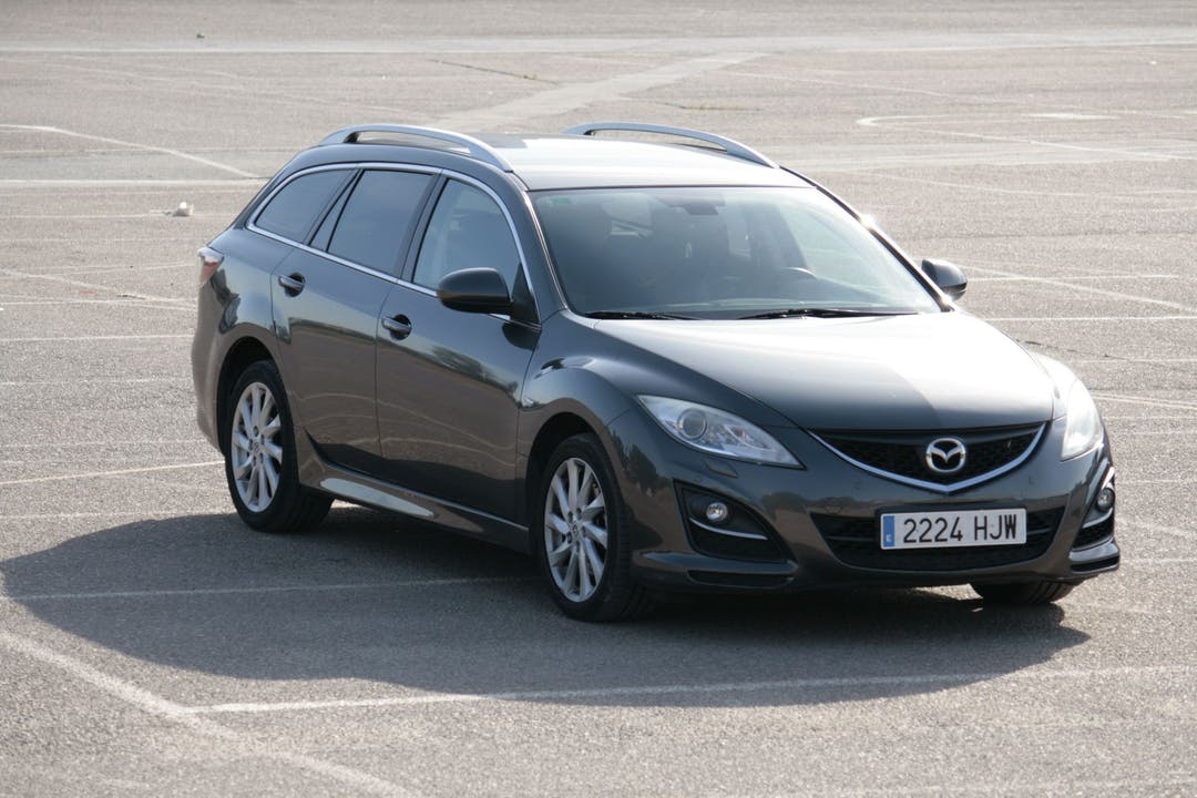 Alquiler barato de Mazda 6 cerca de 41018 Sevilla.
