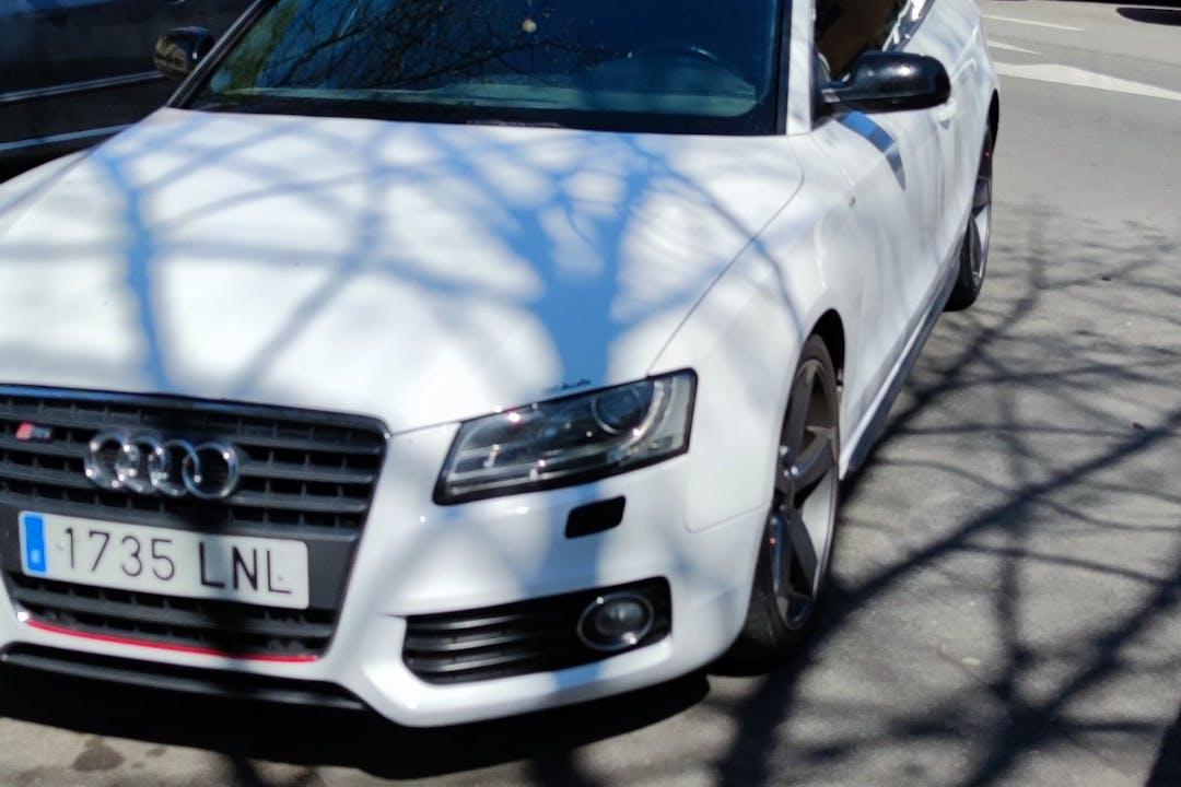 Alquiler barato de Audi S5 con equipamiento GPS cerca de 28300 .