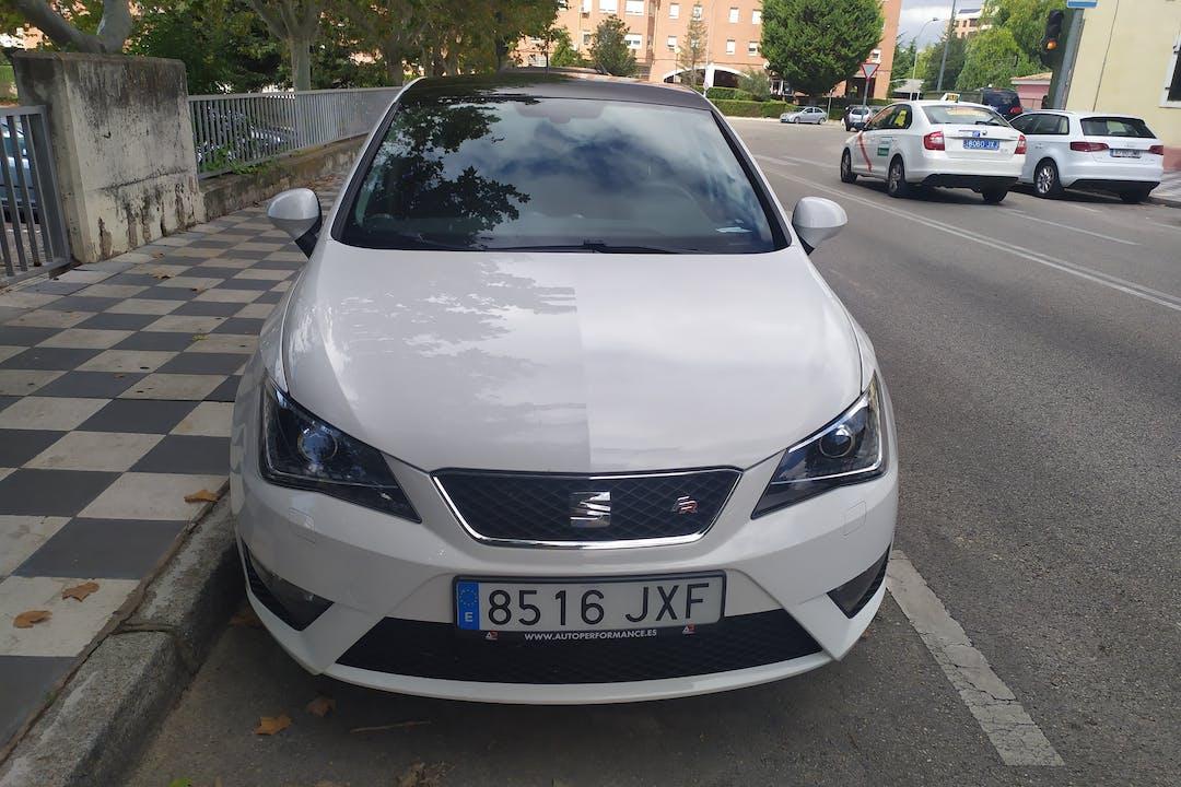 Alquiler barato de Seat Ibiza con equipamiento Bluetooth cerca de 16003 Cuenca.