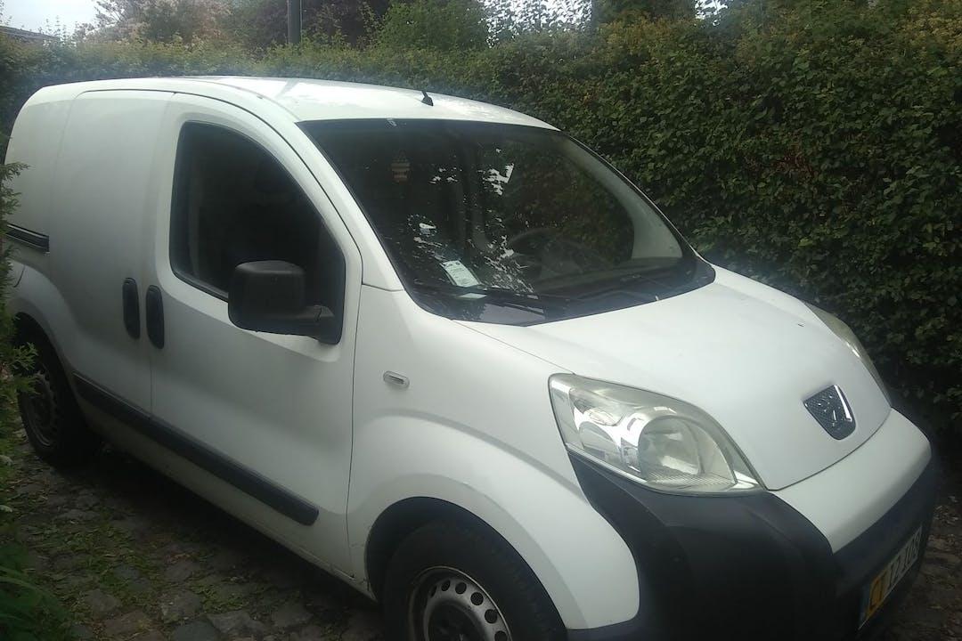 Billig billeje af Peugeot Bipper med Bluetooth nær 3460 Birkerød.