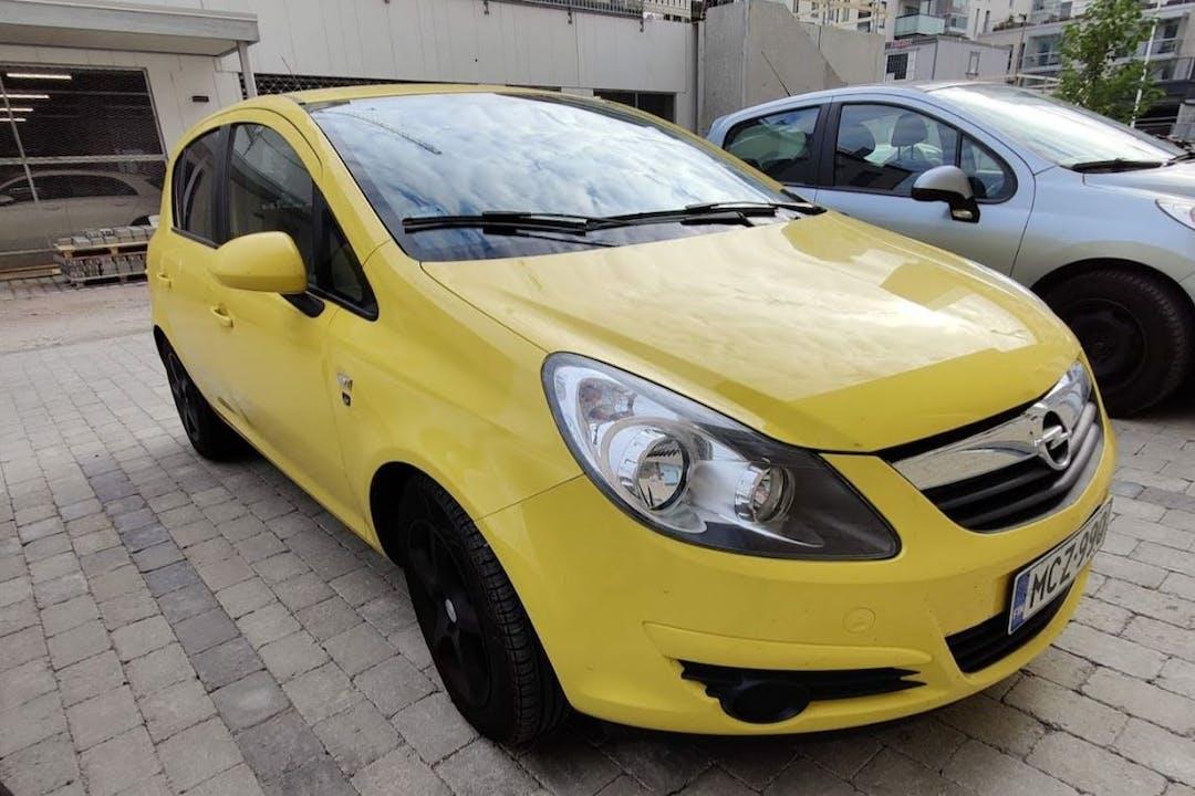 Opel Corsan halpa vuokraus Isofix-kiinnikkeetn kanssa lähellä 00580 Helsinki.