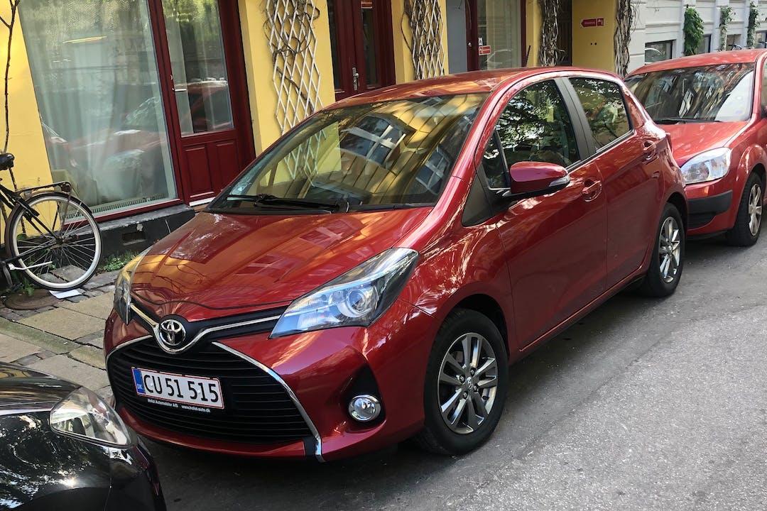 Billig billeje af Toyota Yaris med GPS nær 2200 København.