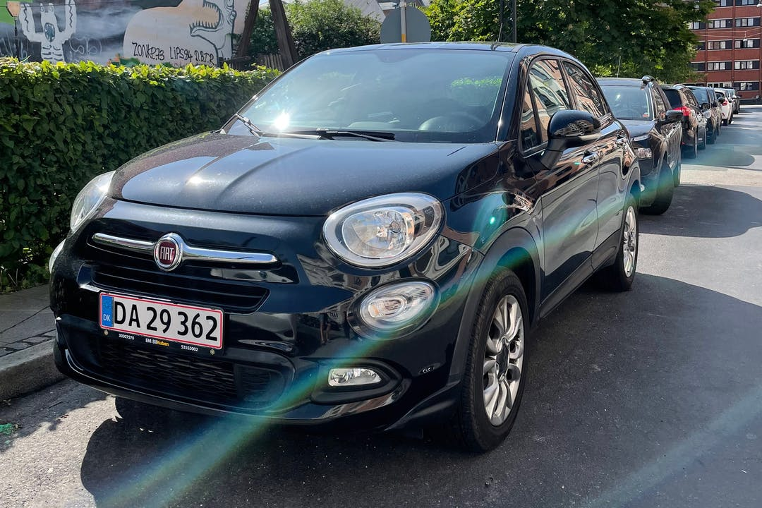Billig billeje af Fiat 500X med GPS nær 2200 København.