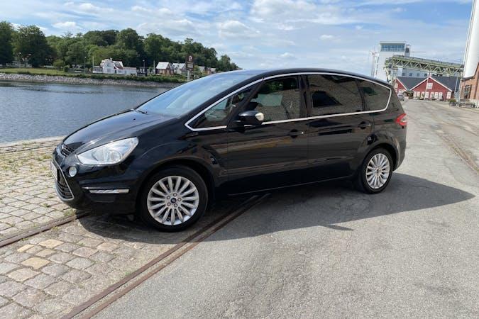 Billig billeje af Ford S-MAX nær 5250 Odense.