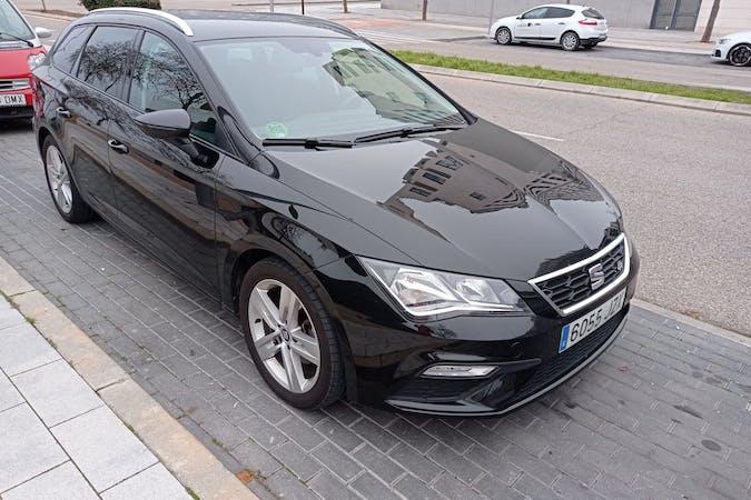 Alquiler barato de Seat León con equipamiento GPS cerca de 28055 Madrid.