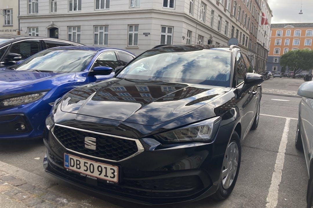 Billig billeje af Seat León med Isofix beslag nær  København.