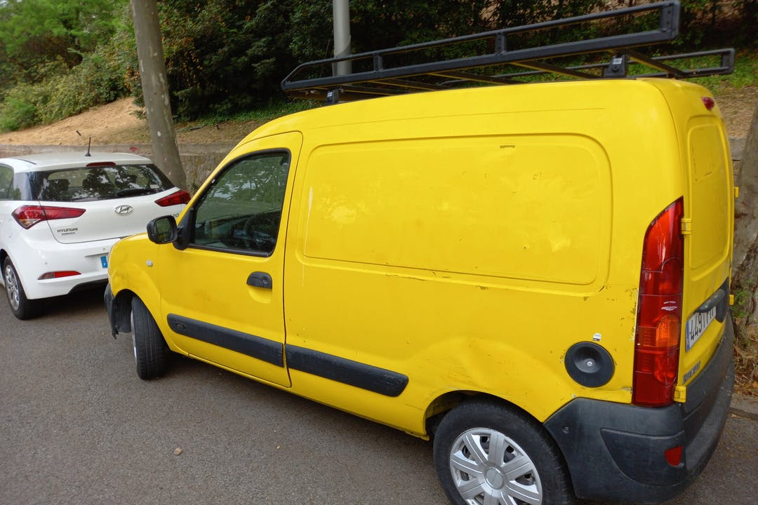 Alquiler barato de Renault Kangoo cerca de 08038 Barcelona.