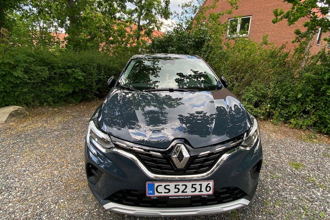 Billig billeje af Renault Captur med GPS nær 5300 Kerteminde.