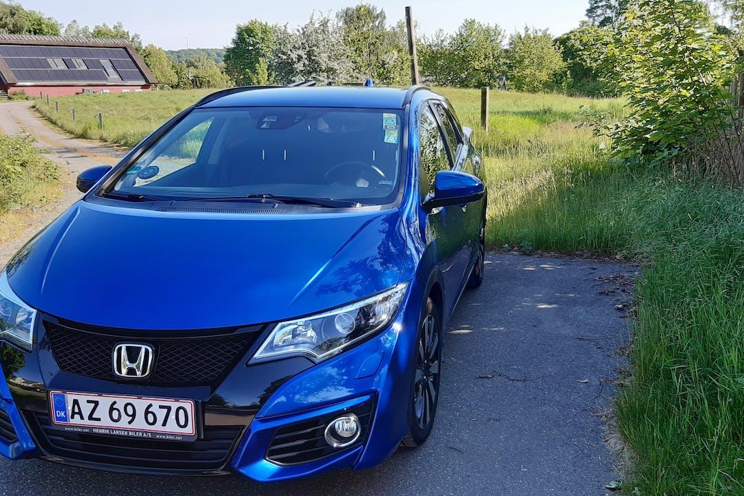 Billig billeje af Honda Civic Tourer med GPS nær 2700 København.