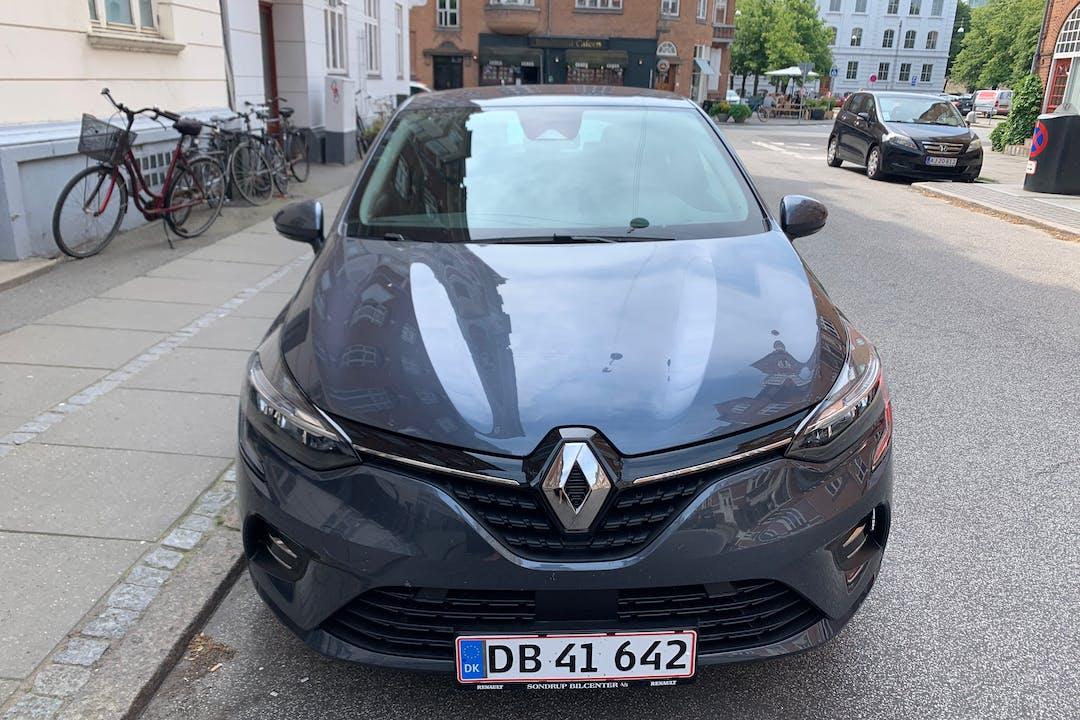 Billig billeje af Renault Clio med Isofix beslag nær 8000 Aarhus.