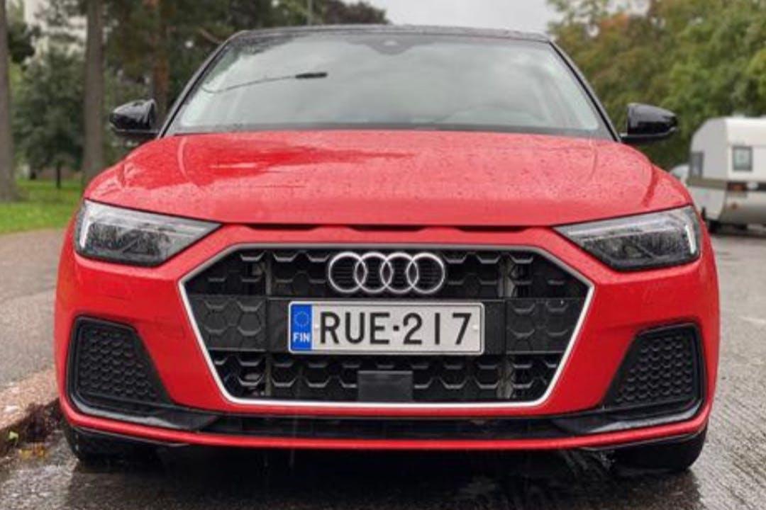 Audi A1n halpa vuokraus GPSn kanssa lähellä 01280 Vantaa.