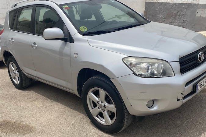 Alquiler barato de Toyota RAV4 con equipamiento Fijaciones Isofix cerca de 02260 Fuentealbilla.