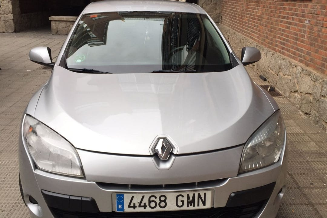 Alquiler barato de Renault Megane cerca de 37006 Salamanca.
