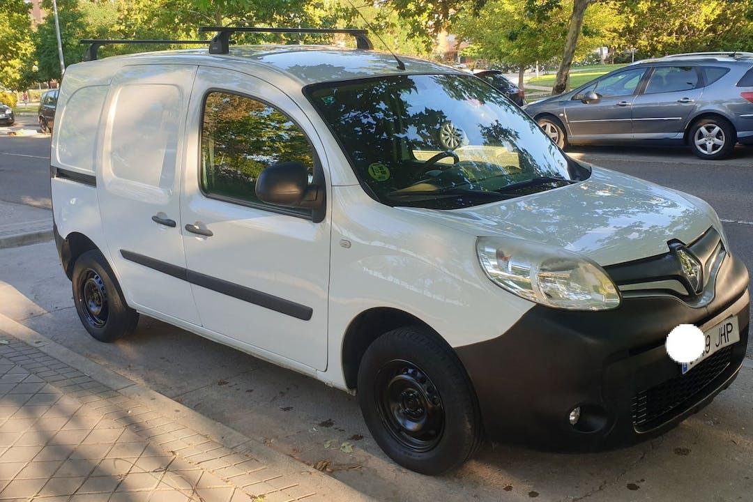 Alquiler barato de Renault Kangoo cerca de 28025 Madrid.