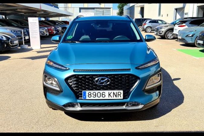 Alquiler barato de Hyundai Kona cerca de 07800 .