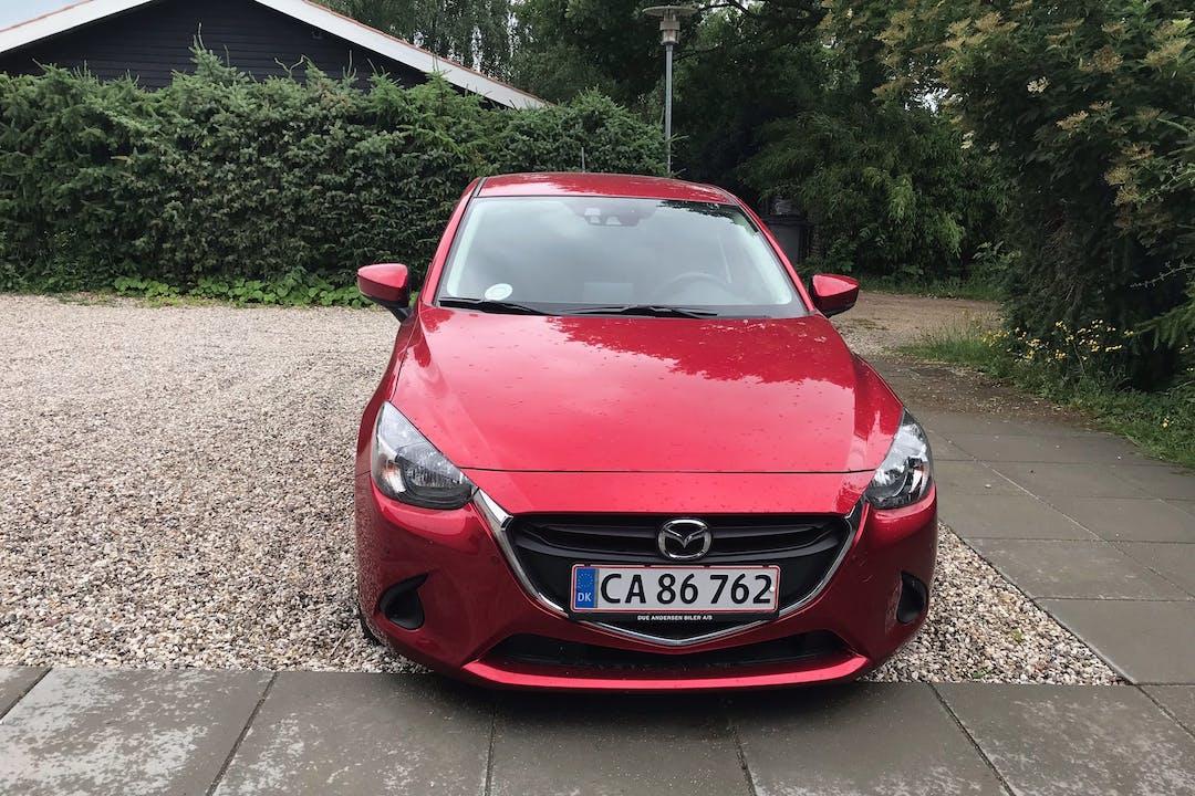 Billig billeje af Mazda 2 med Isofix beslag nær 3480 Fredensborg.