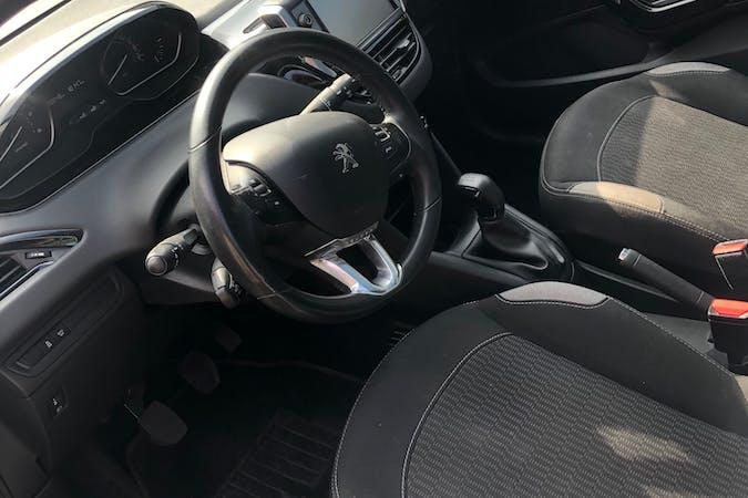 Billig billeje af Peugeot 208 nær 6000 Kolding.