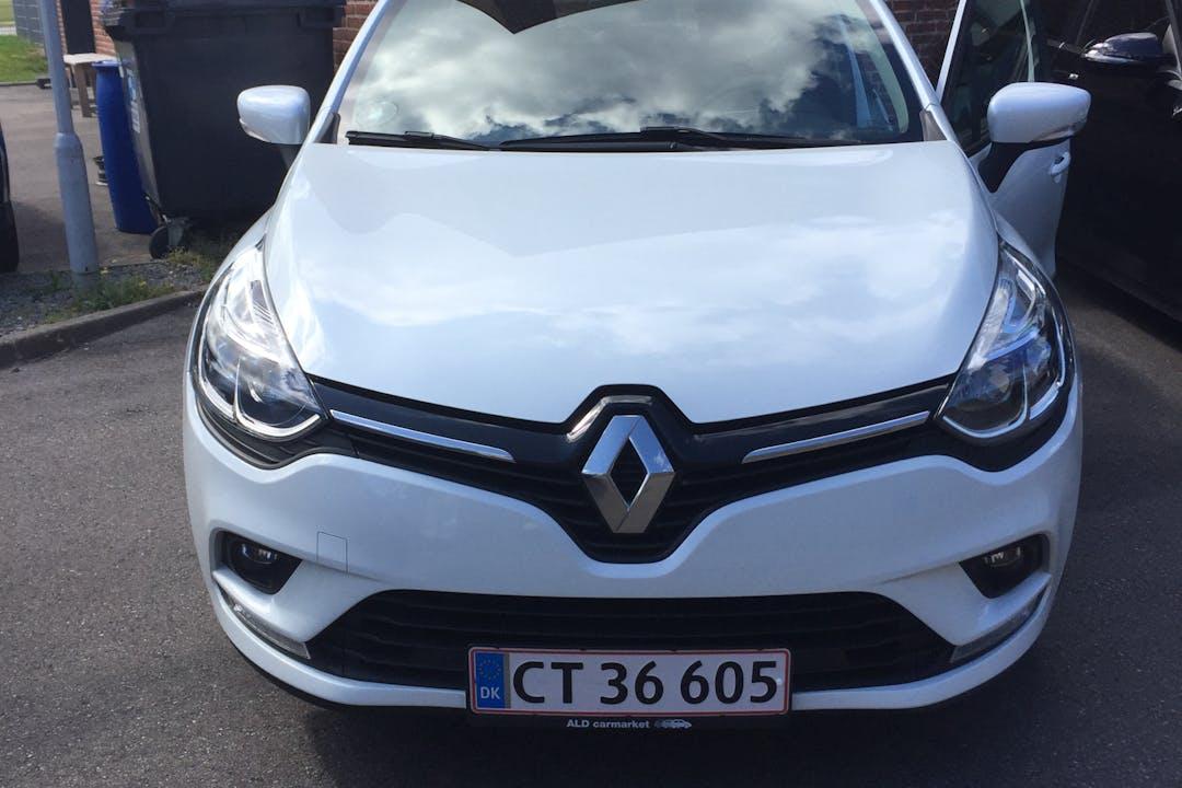 Billig billeje af Renault Clio HB nær 2200 København.