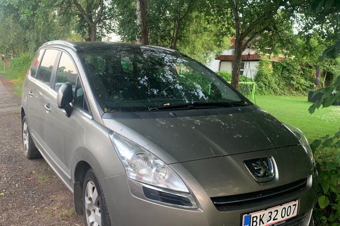 Billig billeje af Peugeot 5008 med Bluetooth nær 4420 Regstrup.