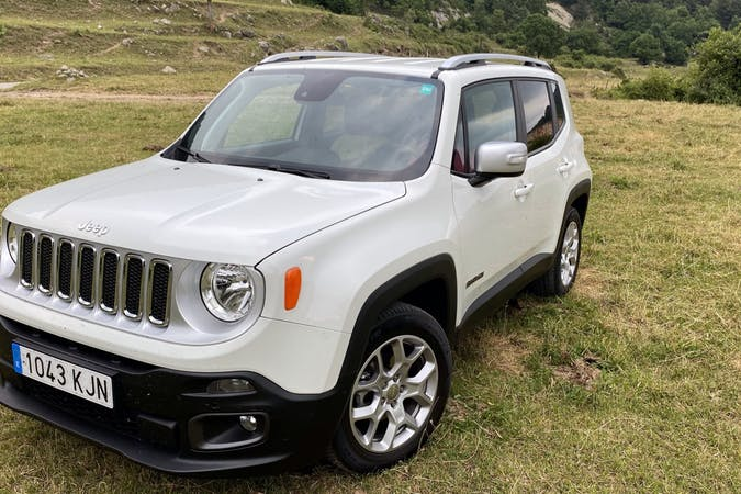 Alquiler barato de Jeep Renegade cerca de 08025 Barcelona.