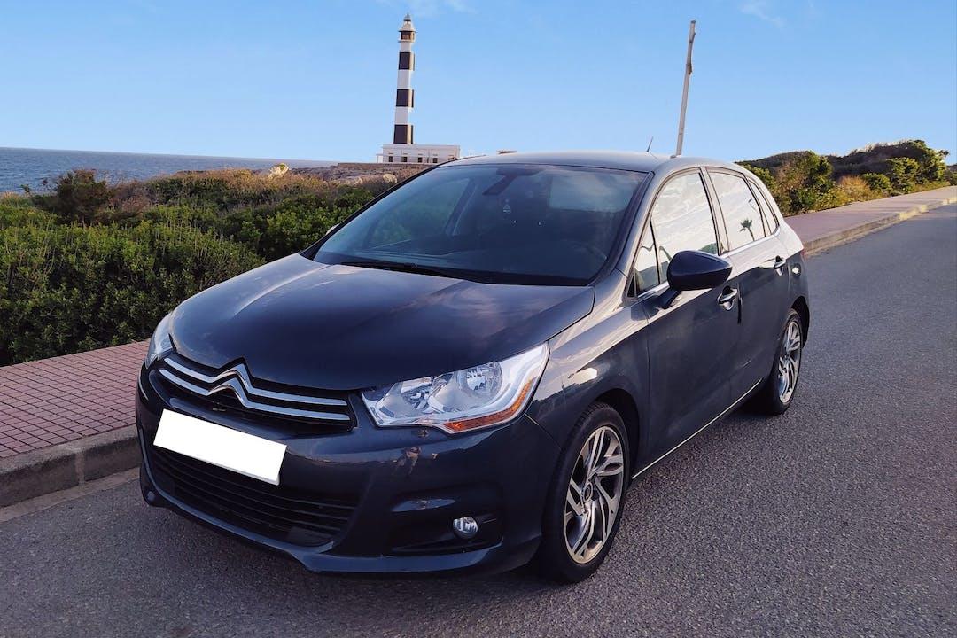Alquiler barato de Citroën C4 cerca de 07760 Ciutadella de Menorca.