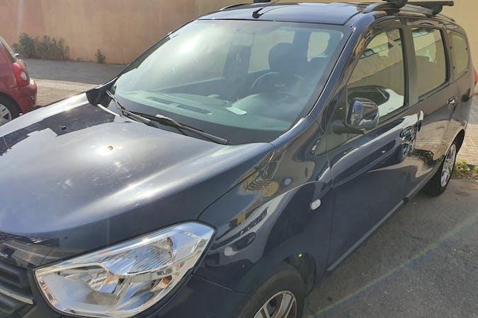 Alquiler barato de Dacia Lodgy con equipamiento Bluetooth cerca de 08030 Barcelona.