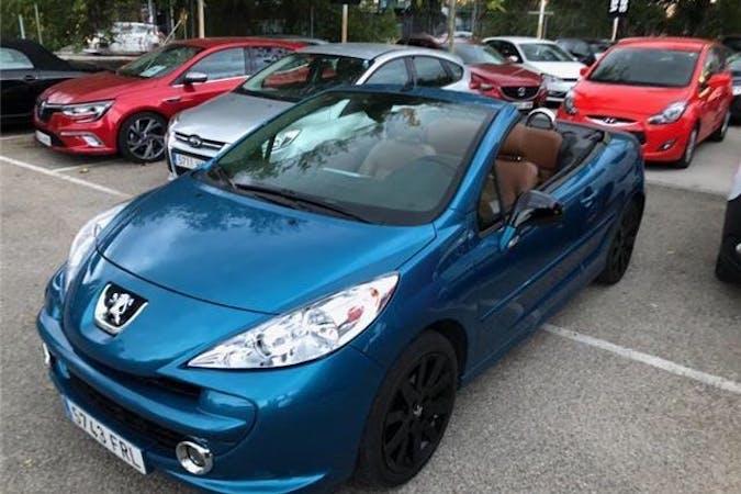 Alquiler barato de Peugeot 207 CC cerca de 33012 Oviedo.