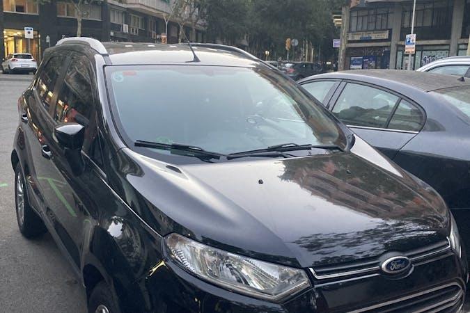 Alquiler barato de Ford EcoSport con equipamiento Bluetooth cerca de 08029 Barcelona.
