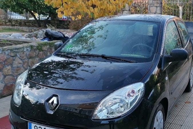 Alquiler barato de Renault Twingo cerca de 28703 San Sebastián de los Reyes.