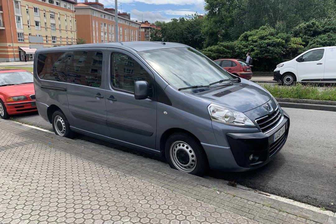 Alquiler barato de Peugeot Expert con equipamiento Fijaciones Isofix cerca de 20018 Donostia.