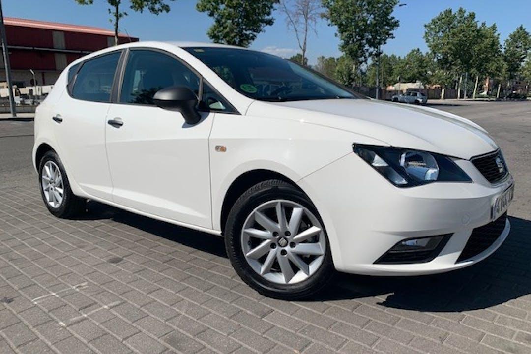 Alquiler barato de Seat Ibiza cerca de 28400 Collado Villalba.