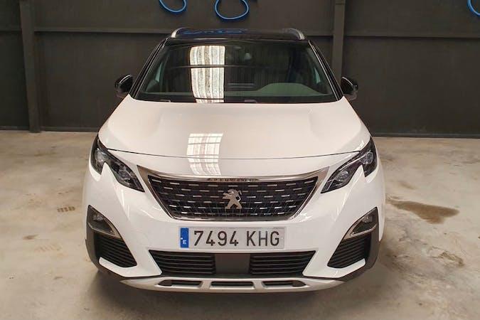 Alquiler barato de Peugeot 5008 con equipamiento GPS cerca de 08880 Cubelles.