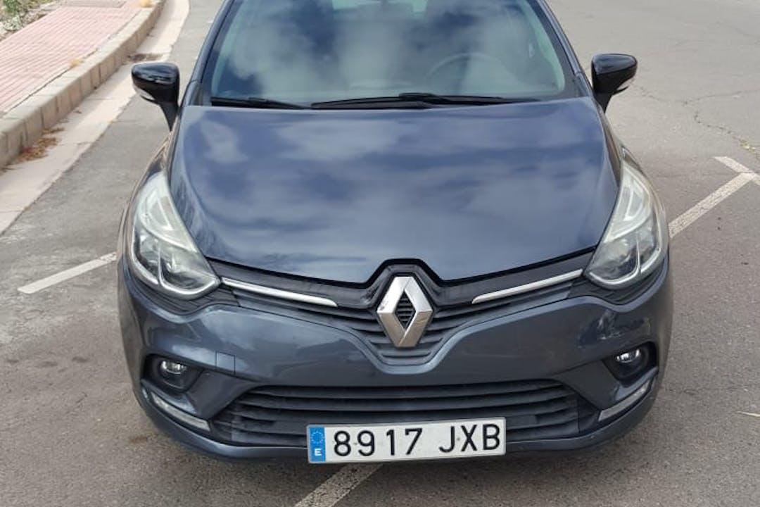 Alquiler barato de Renault Clio cerca de 35130 Mogán.