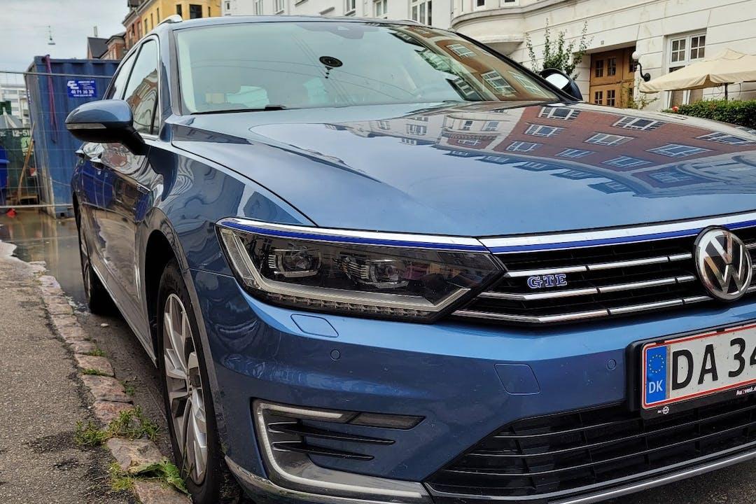 Billig billeje af Volkswagen Passat med GPS nær 2100 København.