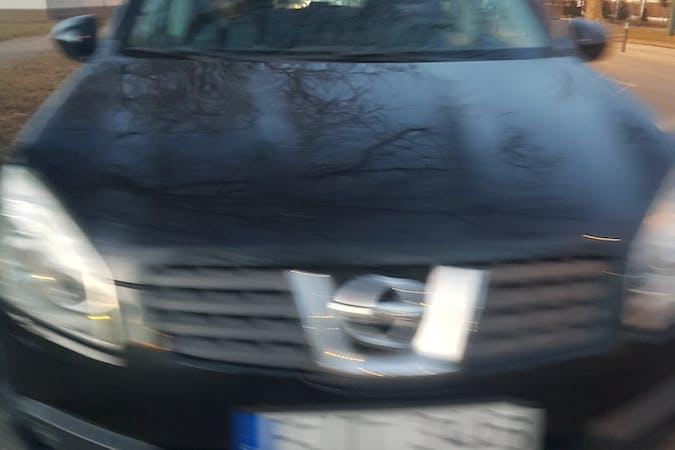 Billig biluthyrning av Nissan Qashqai med Bluetooth i närheten av  Väster.