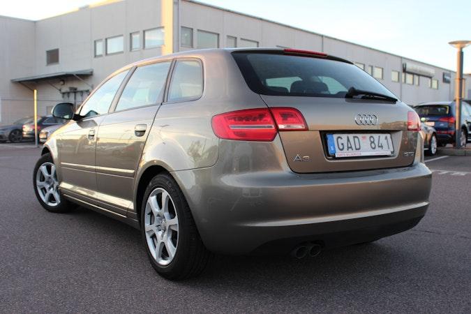 Billig biluthyrning av Audi A3 1,9 TDI med CD-spelare i närheten av 413 17 Masthugget.